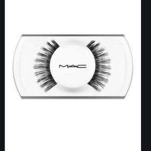 mac false lashes 6 Lash in 1 pair nwt
